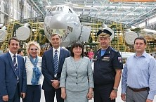 OJSC «IL» General Director S. V. Velmozhkin visit to the JSC «Aviastar-SP»